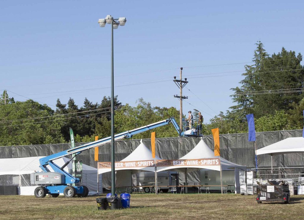 Constructing the concession tents at BottleRock 2015. Photo: Mitchell Glotzer