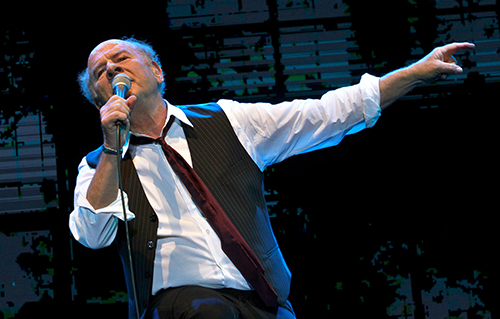 Art Garfunkel performing in Tel-Aviv, June 2015. Photo credit: Gil Cohen